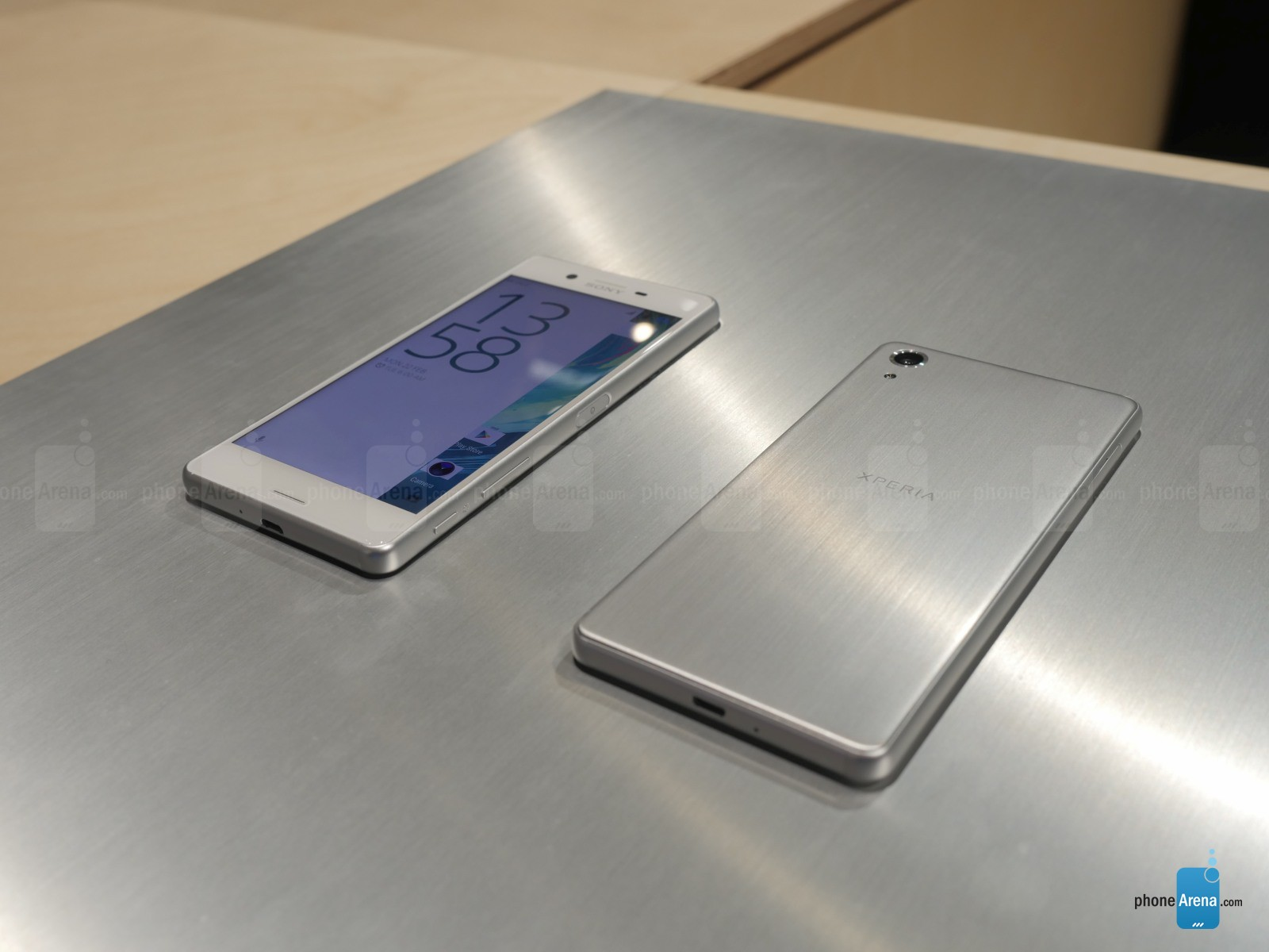 Sony-Xperia-X-Performance-hands-on-1.JPG