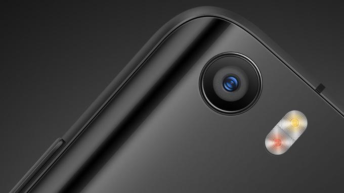 [มีคลิป] Xiaomi โชว์กล้องกันสั่นแบบ 4 แกนใน Xiaomi Mi 5 เทียบกับ OIS ใน iPhone 6s!!