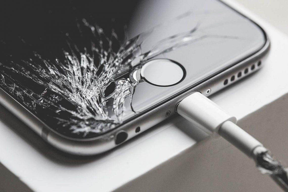 เฮกันทั้งบาง!!! iServe เผยราคาซ่อมหน้าจอ iPhone 6s และ iPhone 6s Plus ตอนนี้ไม่ถึงหมื่นแล้ว!!!