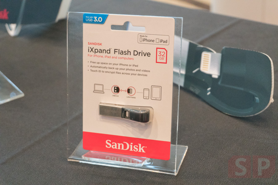 Review-Sandisk-iXpand-Flash-Drive-SpecPhone-00011