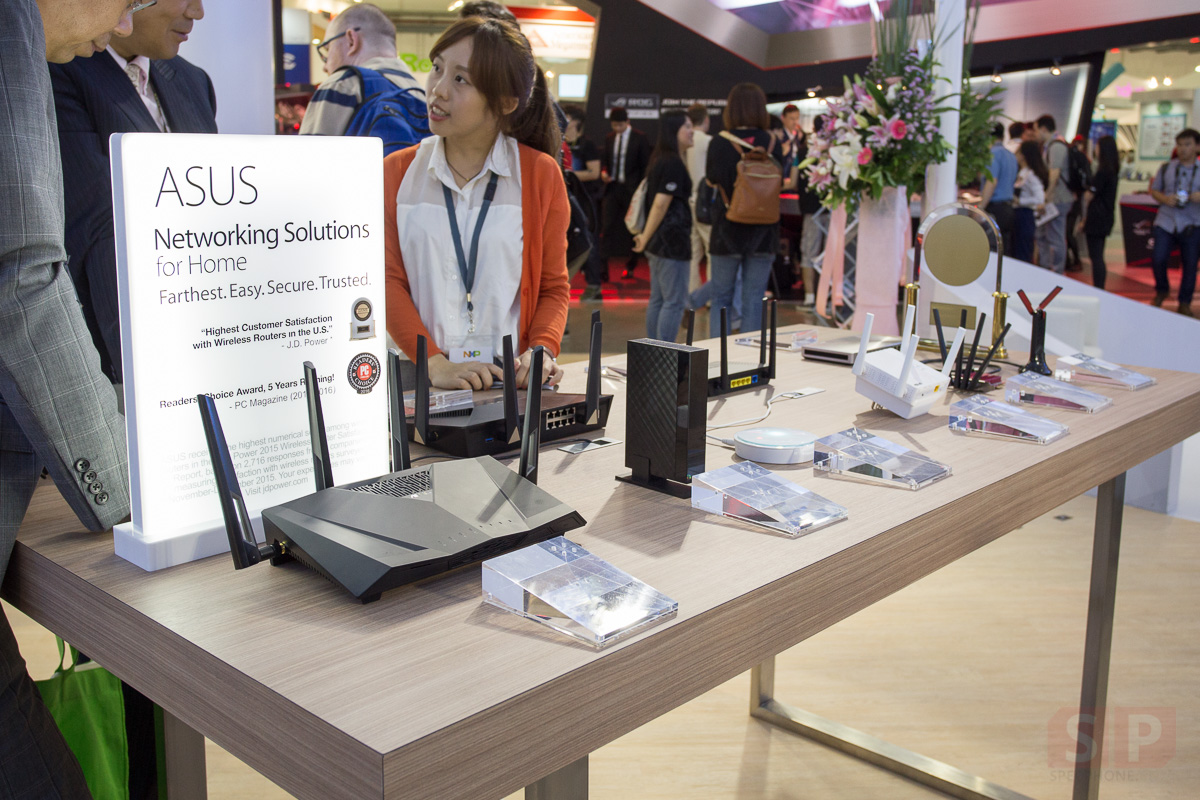 ASUS-Booth-Computex-2016-SpecPhone-00019