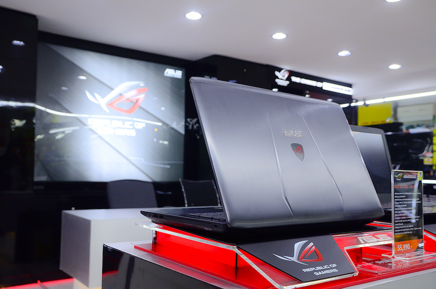 ASUS ROG Experience Shop by J-Net_5