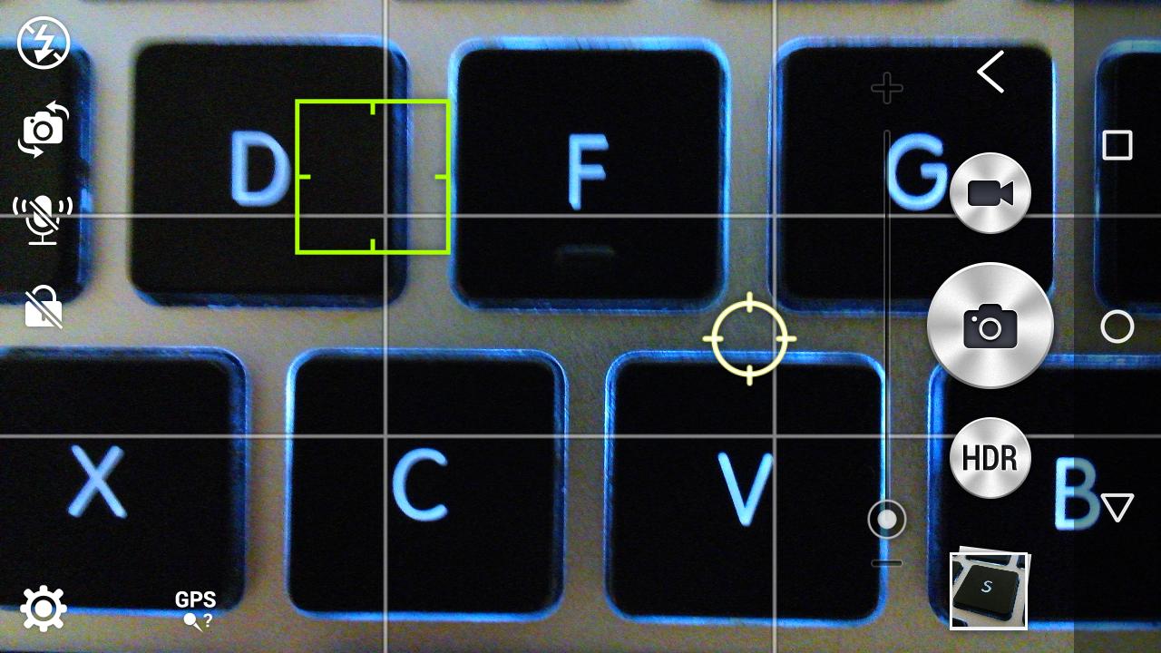ตัวอย่างการเลือกจุดโฟกัส (กรอบเหลี่ยม) กับจุดวัดแสง (กรอบกลม) แยกกัน