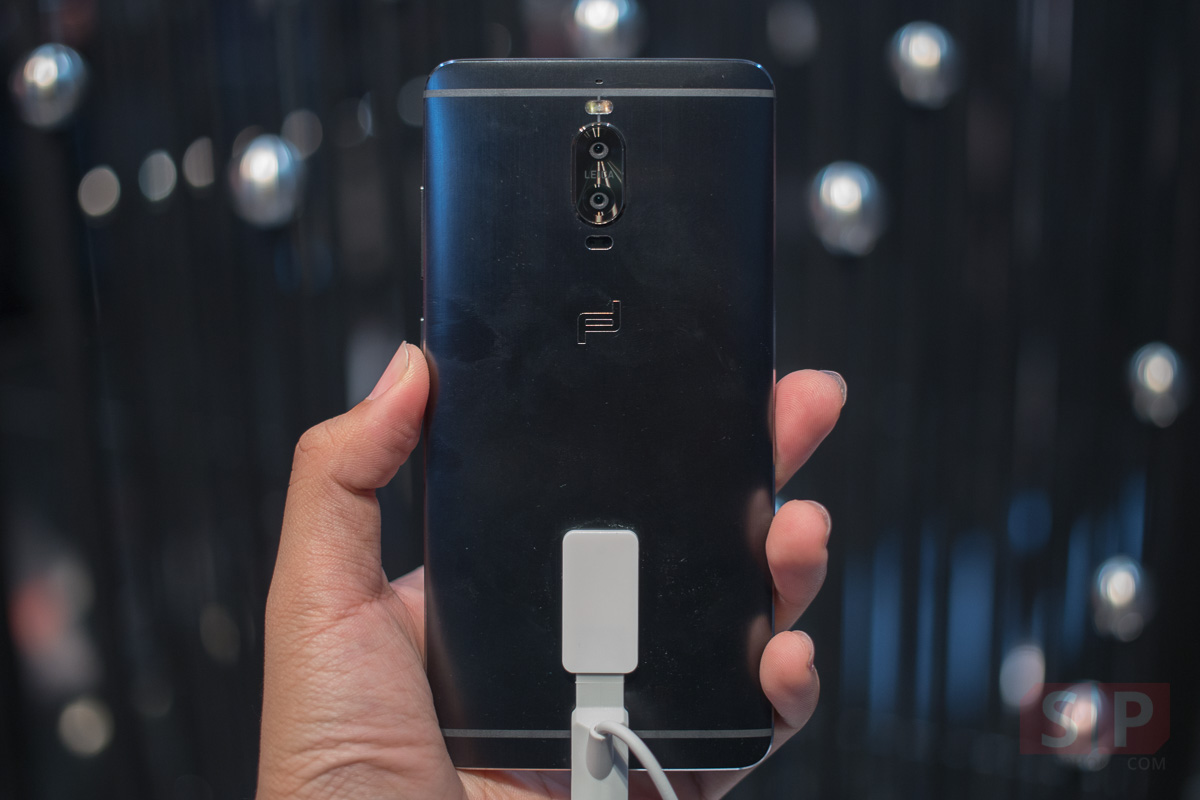 Hands-on-Huawei-Mate-9-PORSCHE-DESIGN-SpecPhone-007
