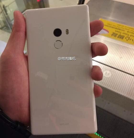 Xiaomi Mi MIX appears in white 2 e1479609087411