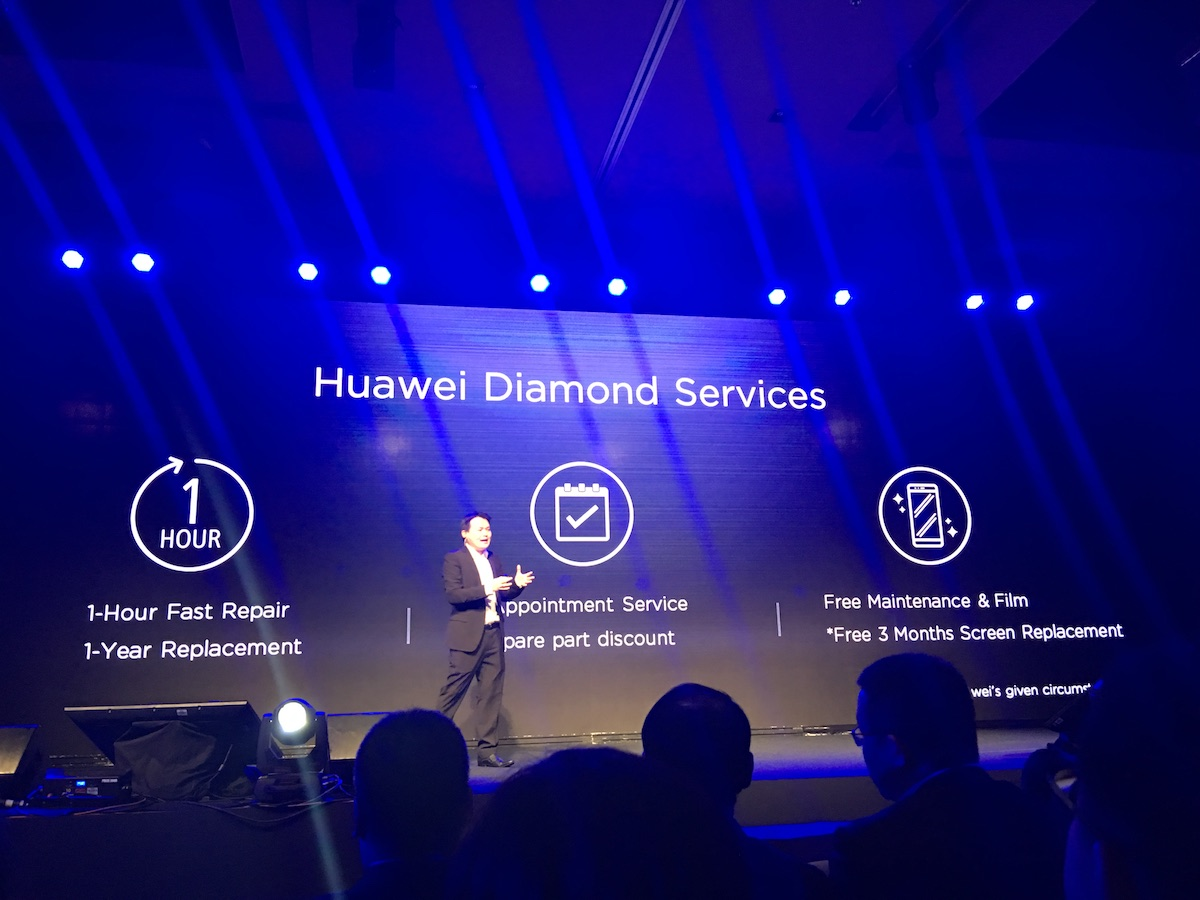 Huawei-Launch-Event-2016-SpecPhone-00001