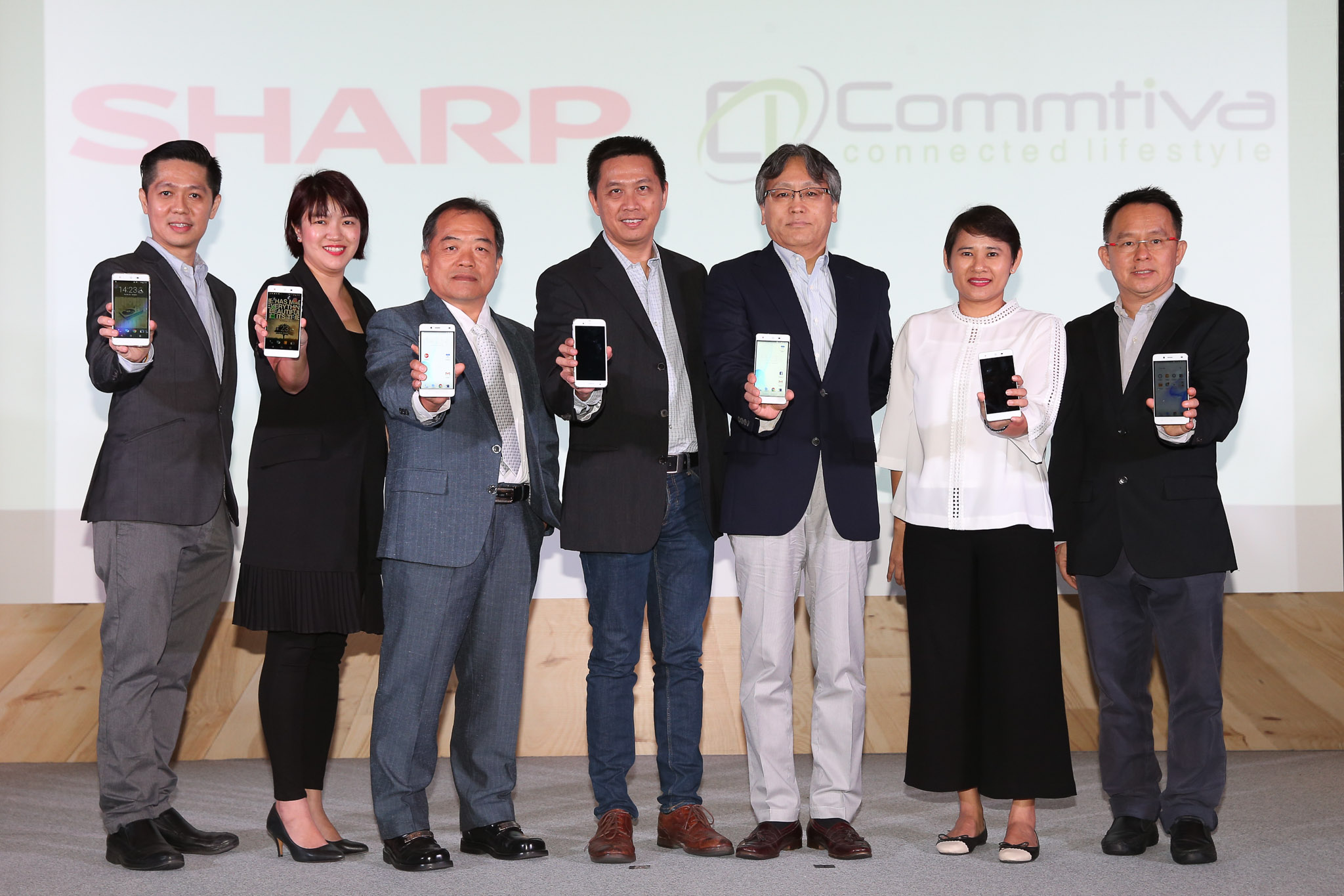 Sharp-Launch-Event-2016-SpecPhone-00008