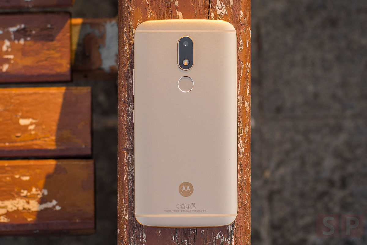 Review-Moto-M-SpecPhone-February 09, 2017-21