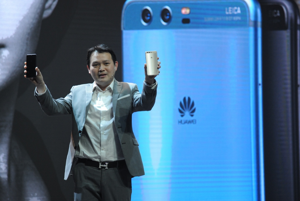 Huawei-P10-Launch-Event-SpecPhone-00003
