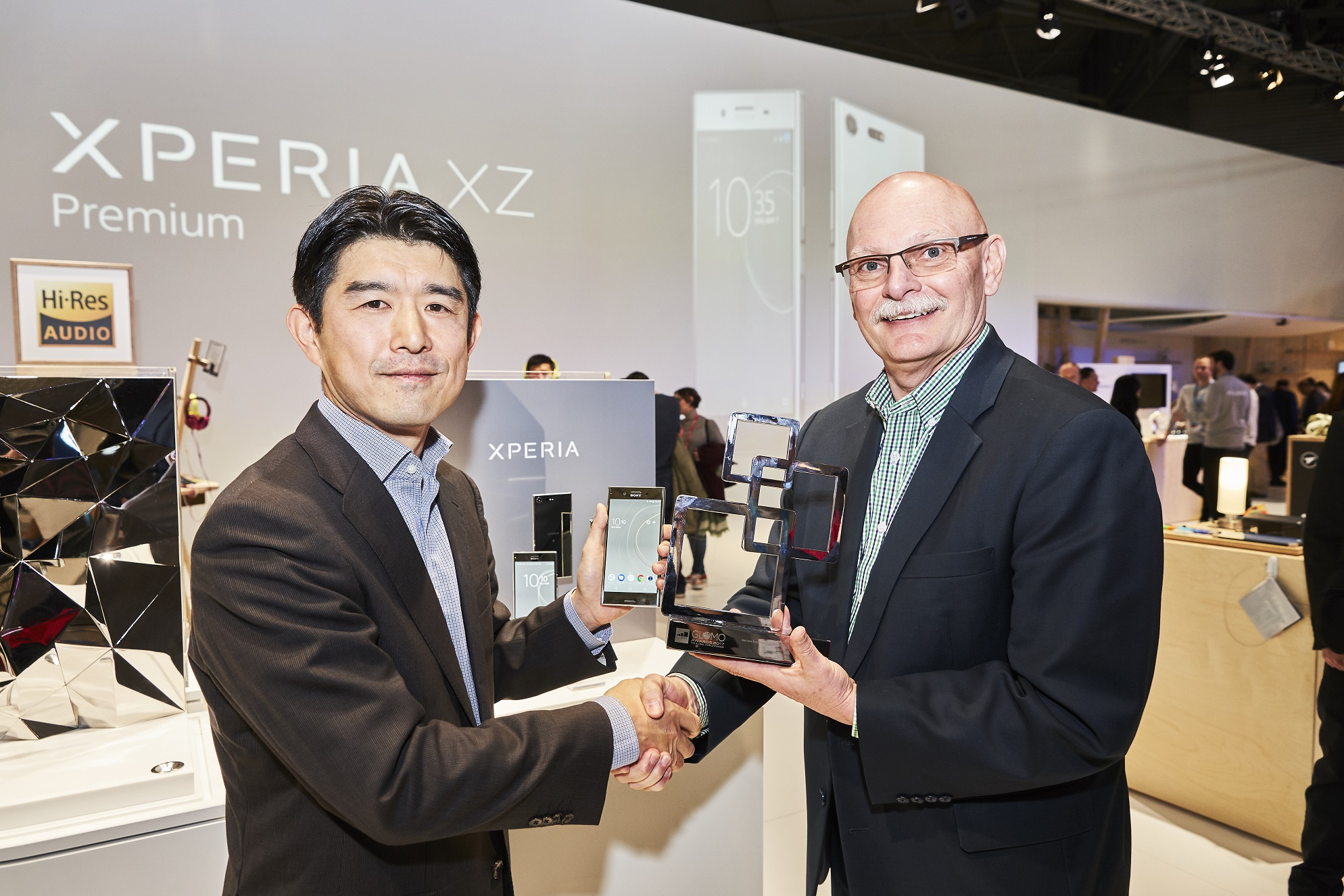 Tsutomu Sato, Director of Global Product Marketing, Sony Mobile Communications and John Hoffman, CEO at GSMA