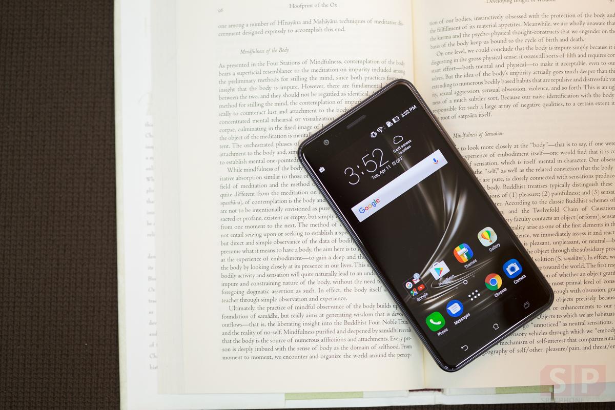 Review-ASUS-Zenfone-Zoom-S-SpecPhone-11