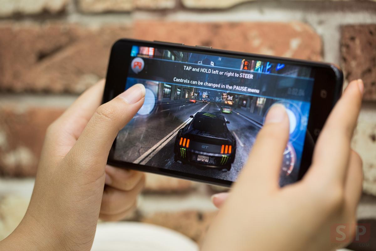 Review-ASUS-Zenfone-Zoom-S-SpecPhone-13