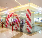 PR-HUAWEI-Experience-Shop-SpecPhone-00003