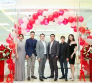 PR-HUAWEI-Experience-Shop-SpecPhone-00004