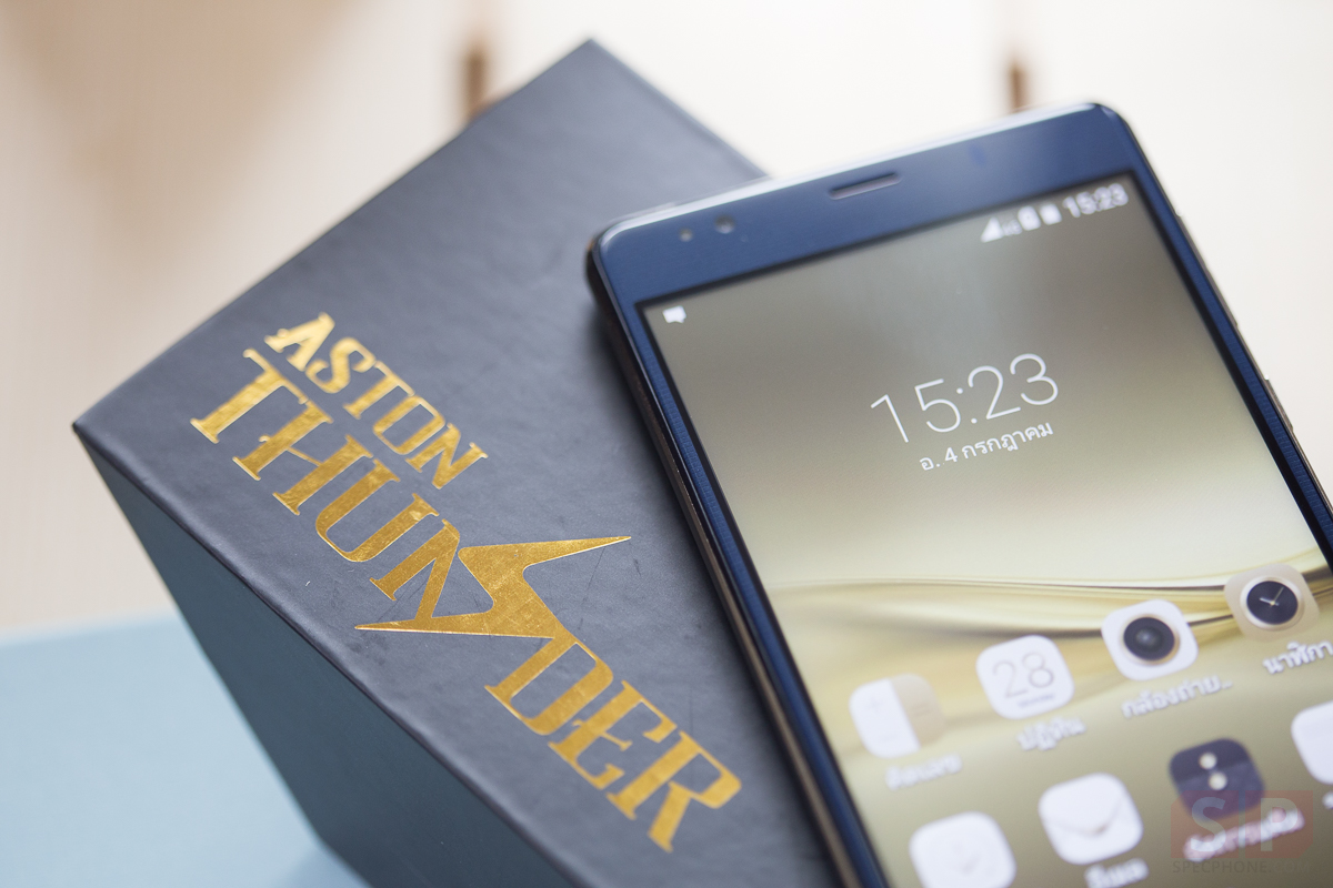 Review-ASTON-THUNDER-Cover-SpecPhone-21