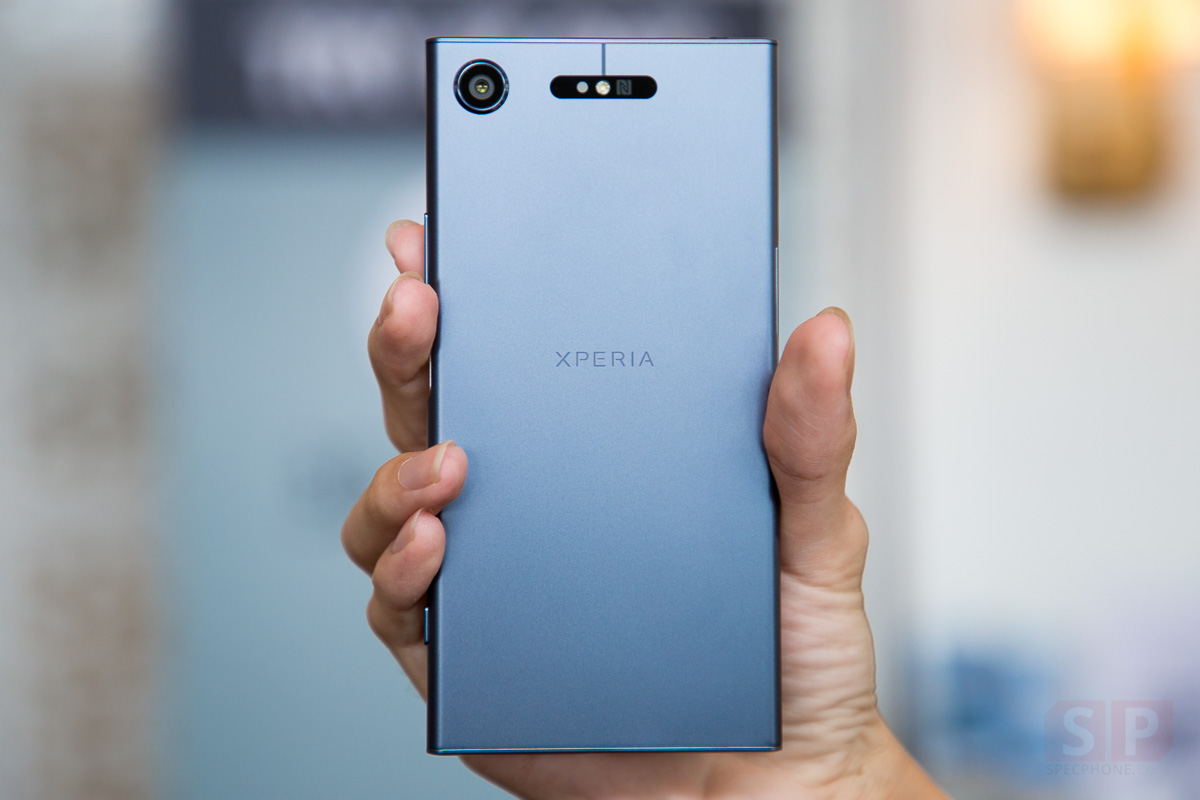 Hands-on-Sony-Xperia-XZ1-SpecPhone-0002