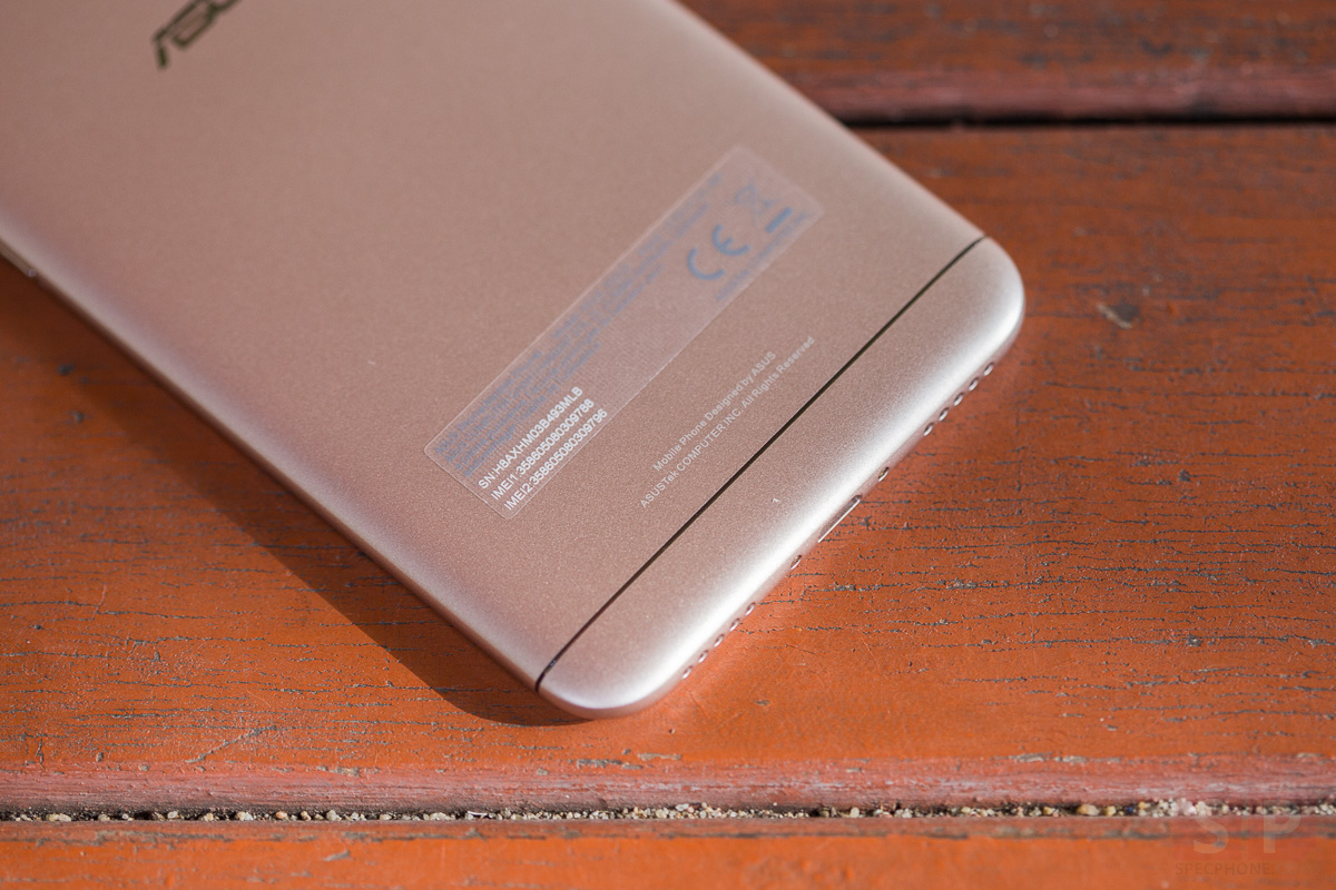 Review Asus Zenfone Selfie SpecPhone 9