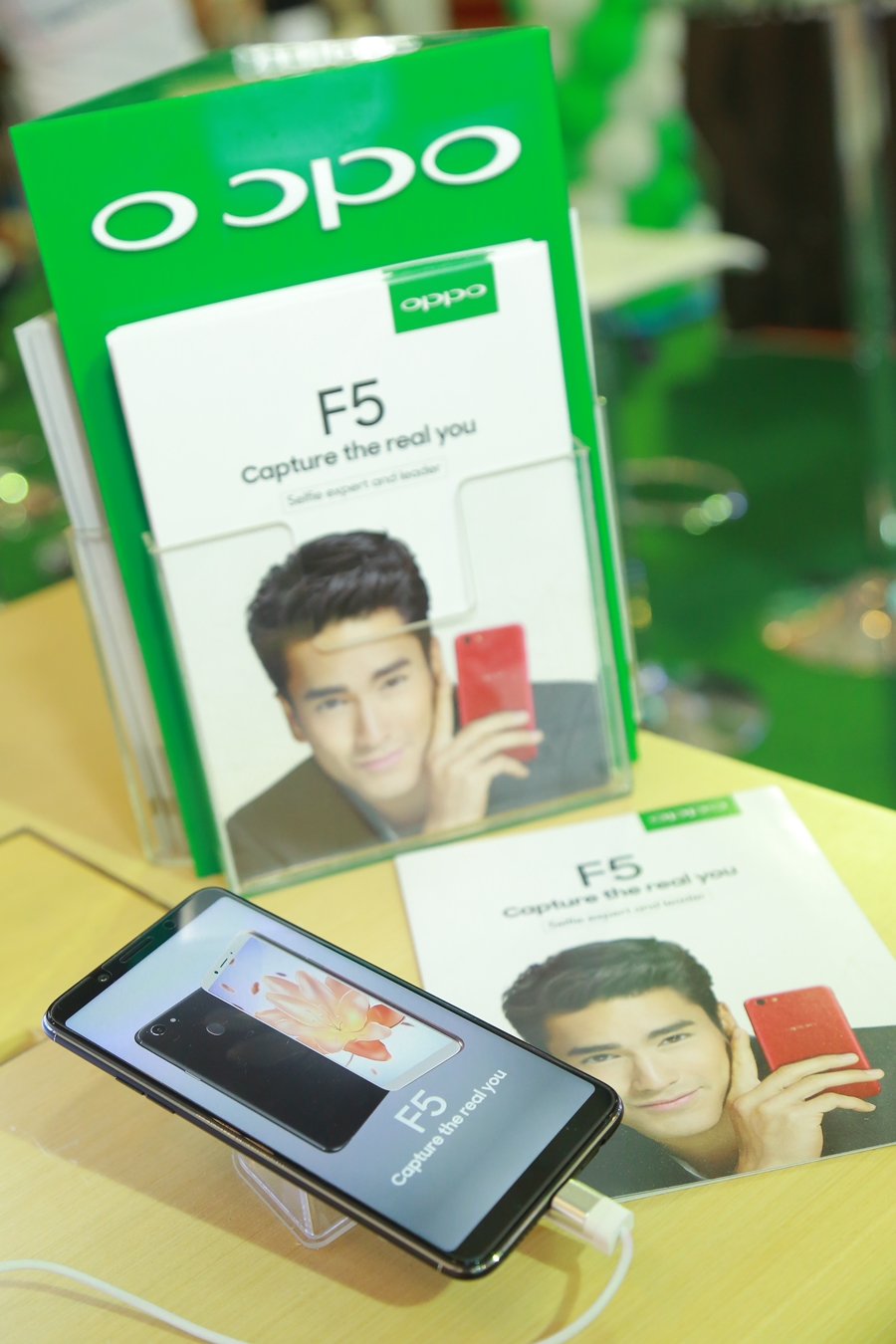 OPPO F5 First day sale Specphone 00004