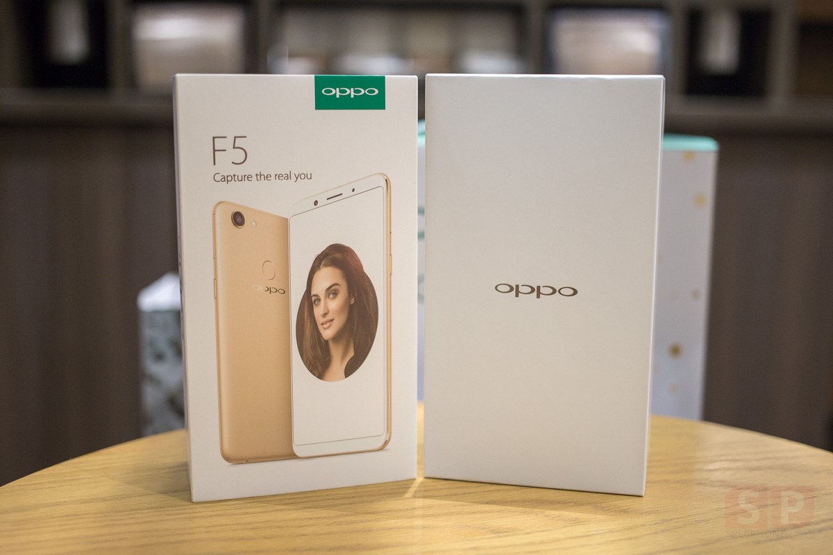 Unbox-Preview-OPPO-F5-SpecPhone-0003