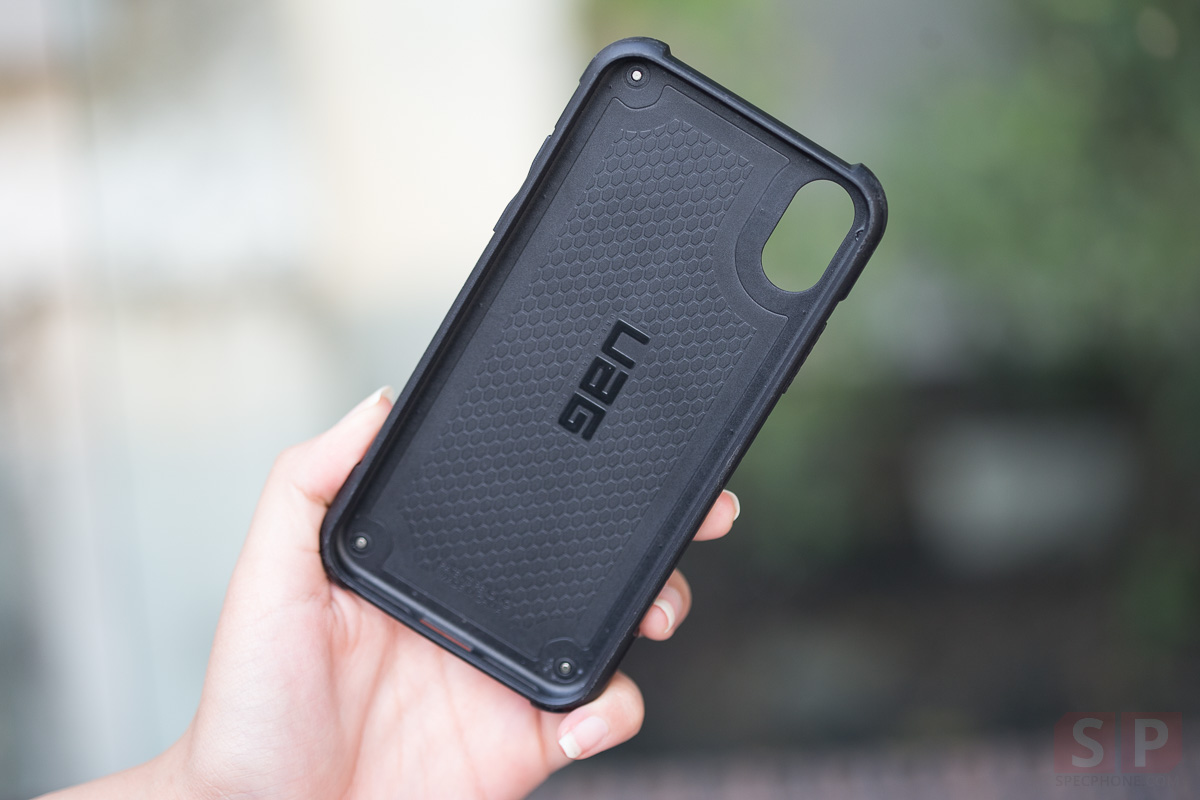 Review-UAG-Monarch-for-iPhone-X-SpecPhone-00011