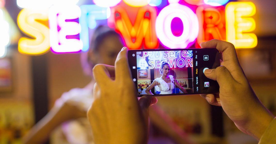 ทดสอบกล้อง HUAWEI P20 Pro สมาร์ทโฟนที่กระแสดีที่สุดแห่งยุค ถ่ายสาว ถ่ายซูม ถ่ายห้องมืด แสงน้อย เอาอยู่ทุกสถานการณ์