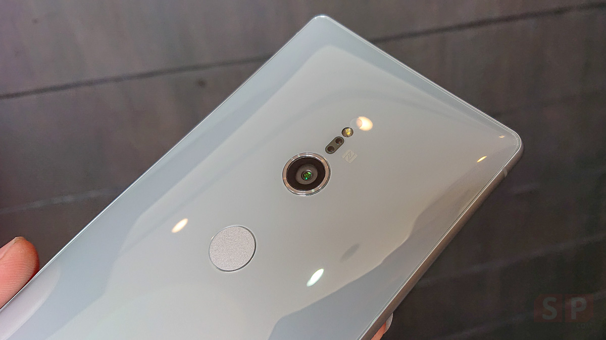 Hands-on-Sony-Xperia-XZ2-SpecPhone-0003