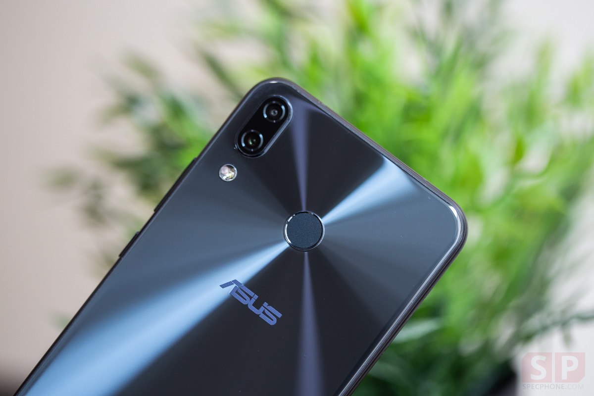 Review ASUS Zenfone 5z SpecPhone 42