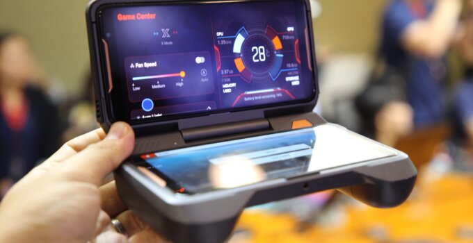 Hands on ASUS ROG SmartPhone SpecPhone 00019