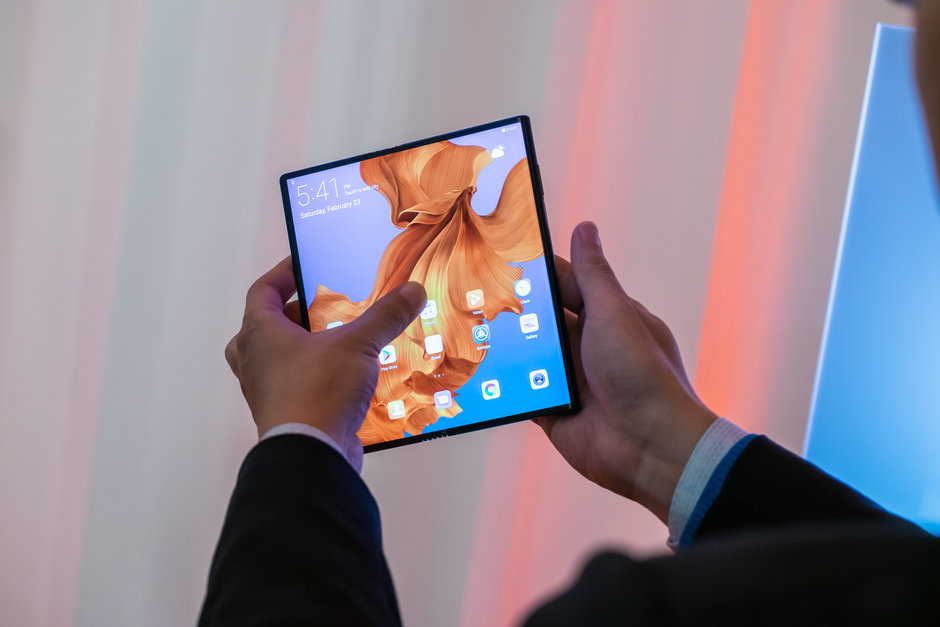 Huawei Mate X first look 8
