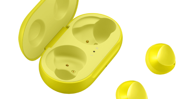 Samsung Galaxy Buds in Canary Yellow 2
