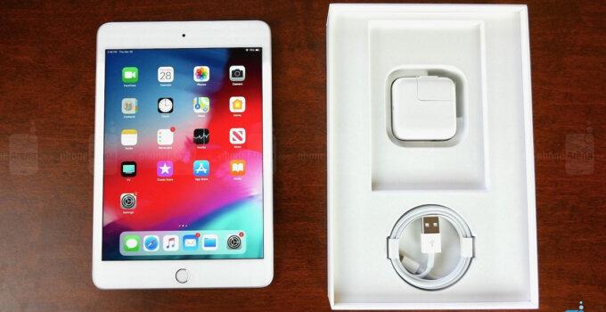 iPad Mini Unboxing 2019 1
