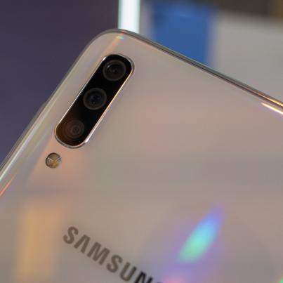 Hands-on-Samsung-Galaxy-A70-SpecPhone-0002
