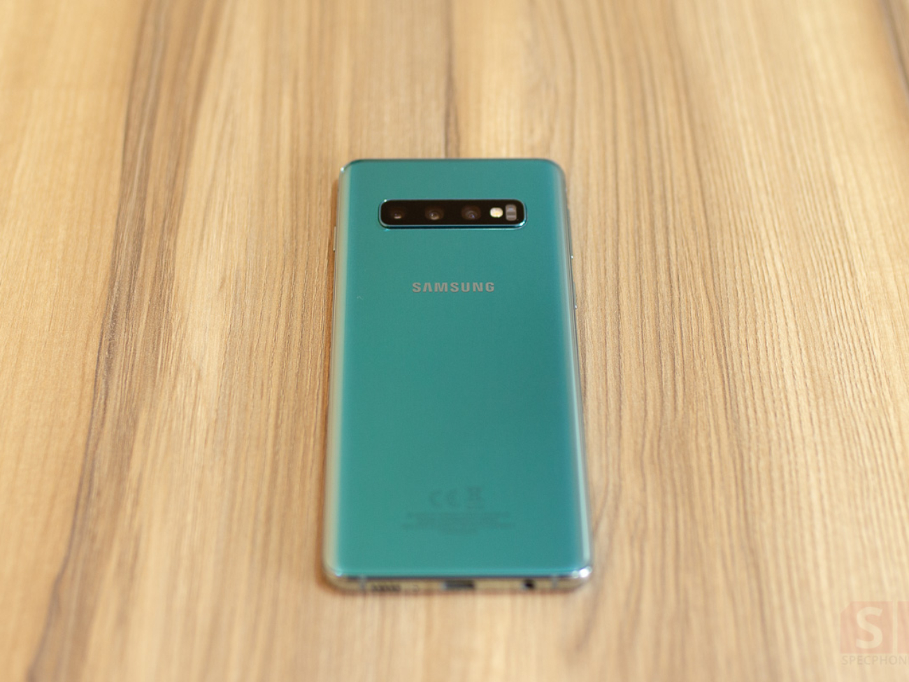 Review-Samsung-Galaxy-S10-SpecPhone-0021