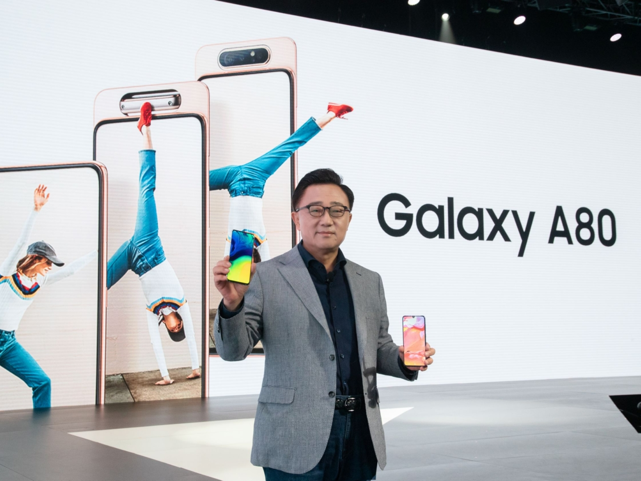 pr-samsung-launched-galaxy-a80-00013