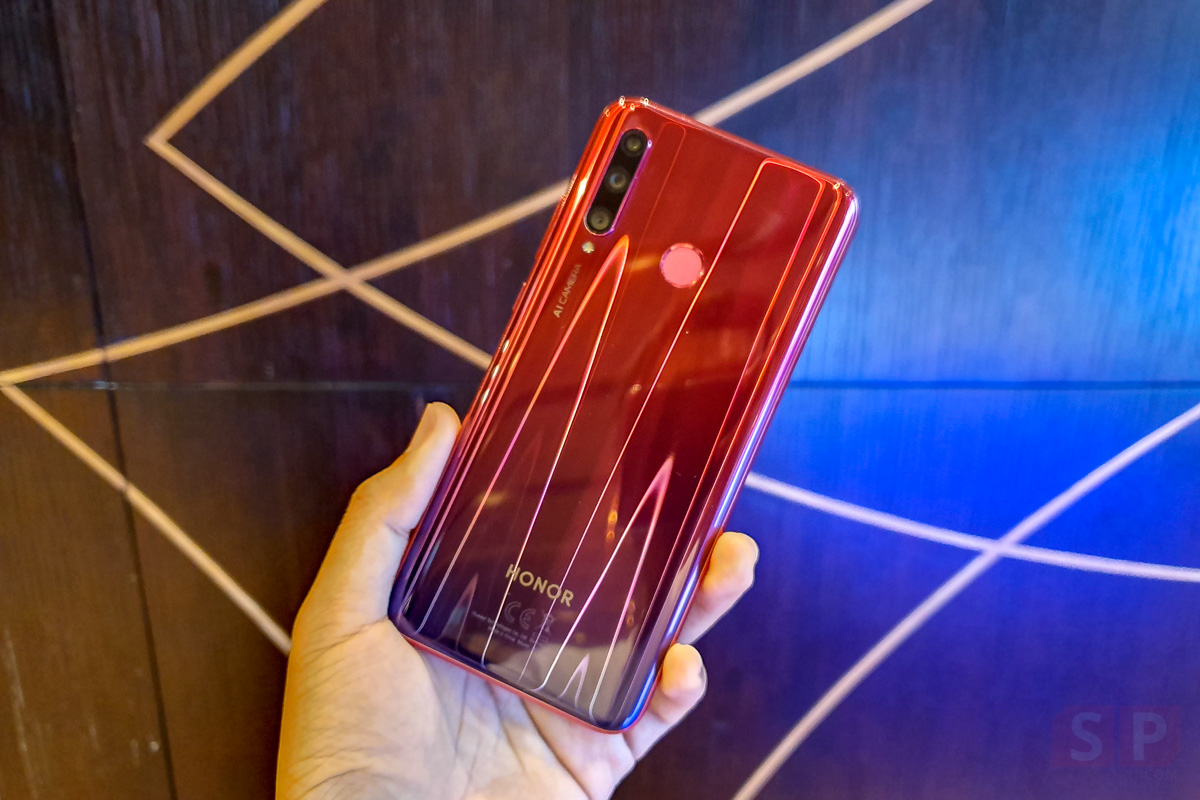 Hands on HONOR 20 Lite SpecPhone 0001