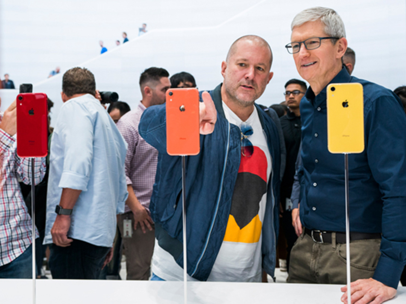 Apple-update-tim-cook-jonathan-ive-062619_big.jpg.large