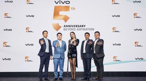 Vivo-5th-Anniversary_1