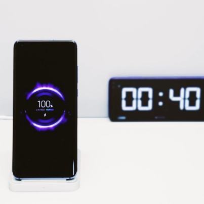 y2mate.com-Xiaomis-First-40W-Wireless-Fast-Charging-Solution_l8j1DlFGc5o_1080p.mp4_snapshot_00.30.156