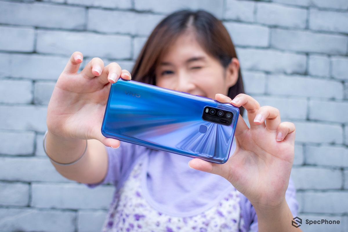 รีวิว Vivo Y50 สมาร์ตโฟนตัวคุ้ม 4 กล้อง จอใหญ่ แบตเยอะ ชิป Snap 665 RAM 8GB + 128GB ในราคา 7,999 บาท