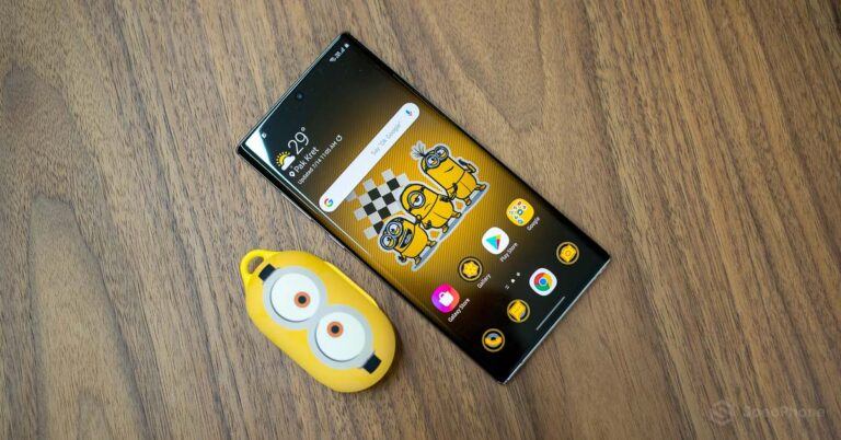 Review Galaxy Buds Smart Cover Minions Edition SpecPhone 0013