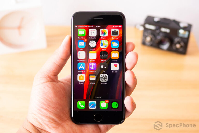 Review iPhone SE 2 2020 SpecPhone 6