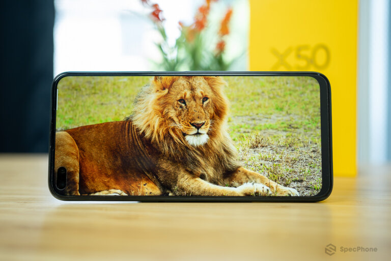 realme X50 5G vs OnePlus Nord