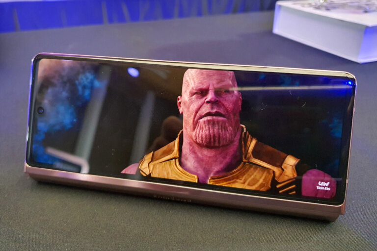 Preview Samsung Galaxy Z Fold2 5G SpecPhone 08