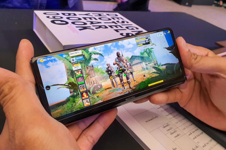 Preview Samsung Galaxy Z Fold2 5G SpecPhone 55