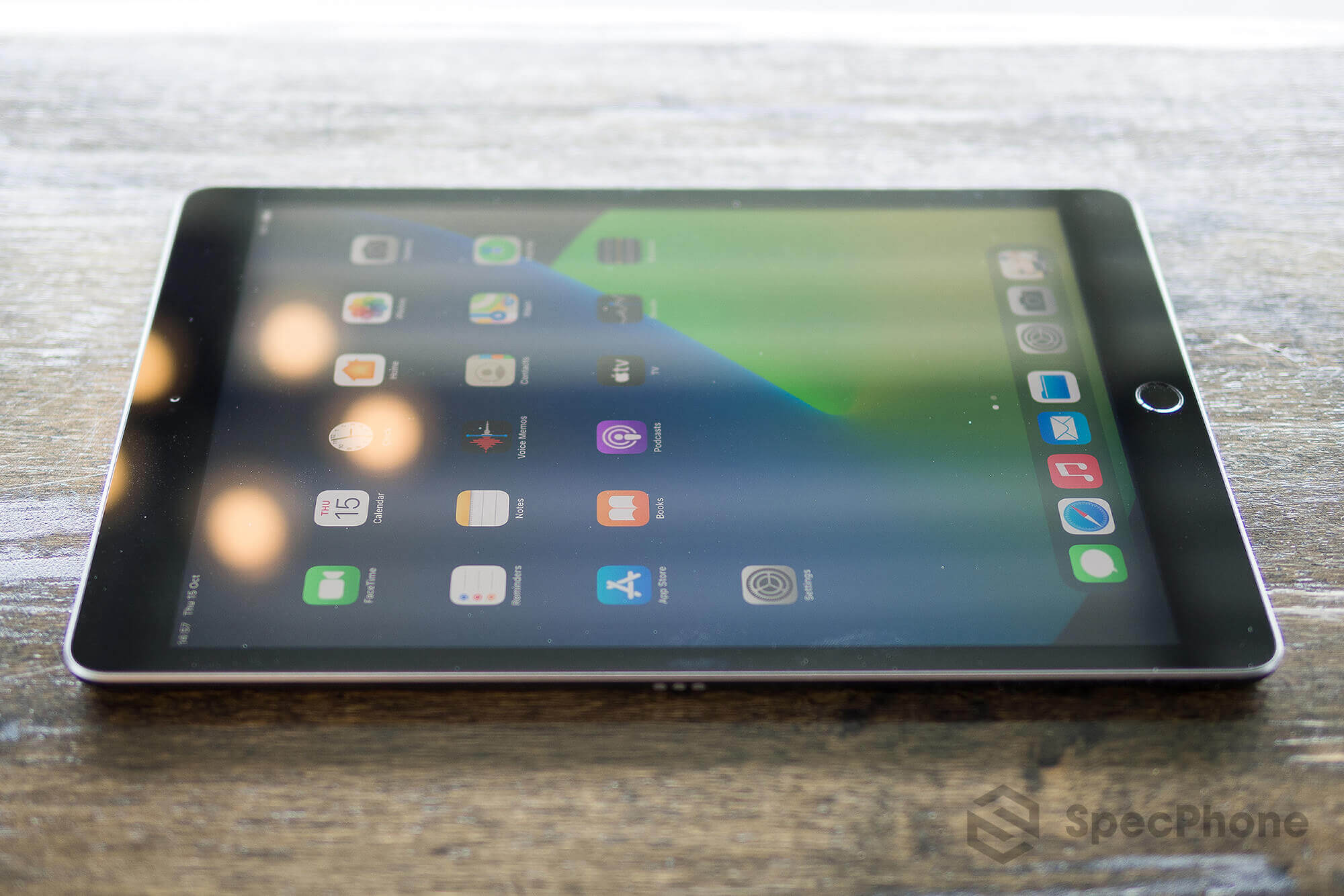 Review Apple iPad 8 SpecPhone 17