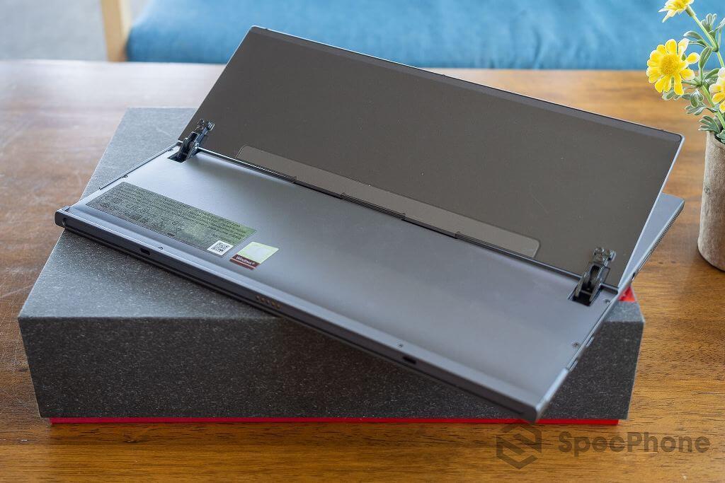 Review Lenovo YOGA Duet 7i SpecPhone 11