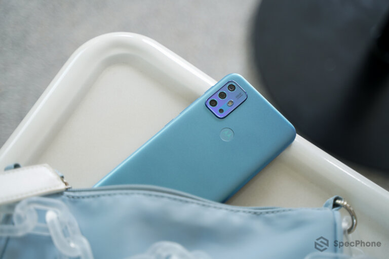 Review Moto G20 54