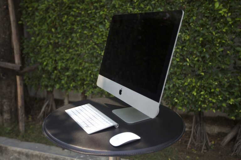 iMac 21 Old Model SpecPhone