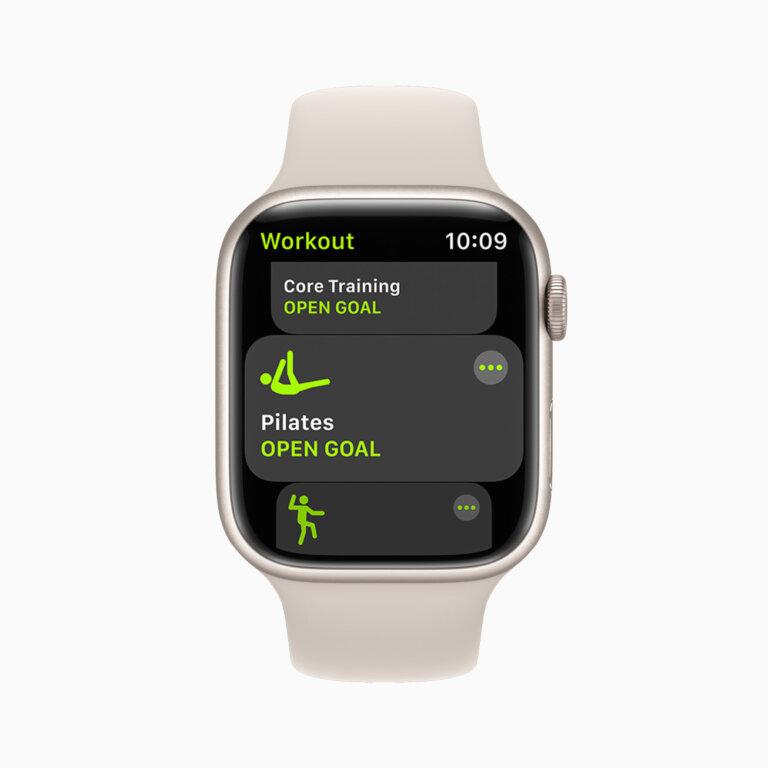 Apple watch series7 watchos workout 09142021 carousel.jpg.large 2x